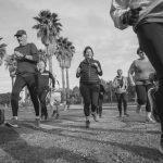 קבוצת ריצה - תמונת שחור ולבן